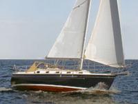 com-pac-35 under sail